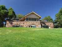 El Monte GC: clubhouse