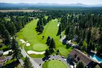 Twin Lakes Village GC: clubhouse